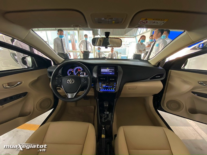 khoang lái xe toyota vios 2021- muaXegiatot.vn
